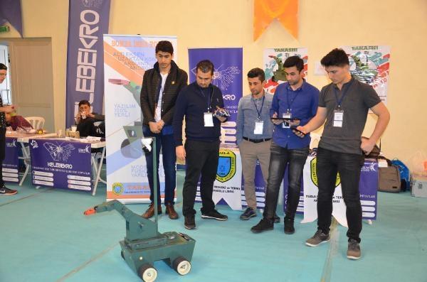 Gebze'de robotlar yarıştı