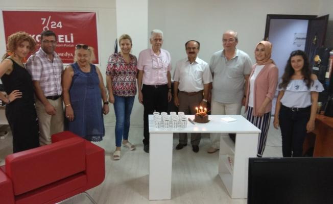 Efsane başkana sürpriz doğum günü kutlaması
