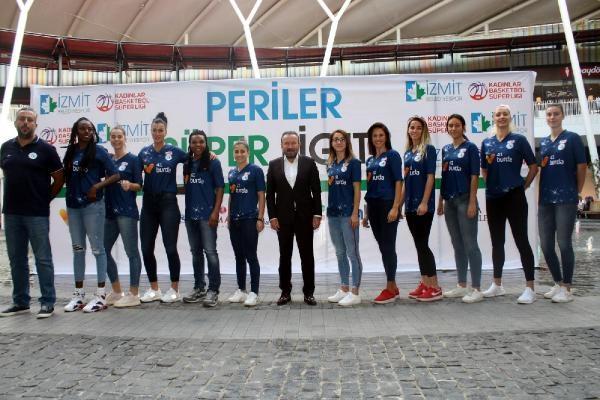 İzmit Belediyespor kadın basketbol takımı yeni sezona hazır