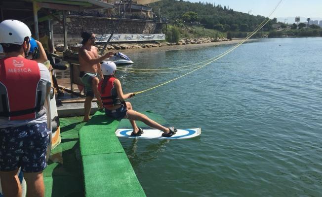 Öğrencilere 'wakeboard' eğitimi