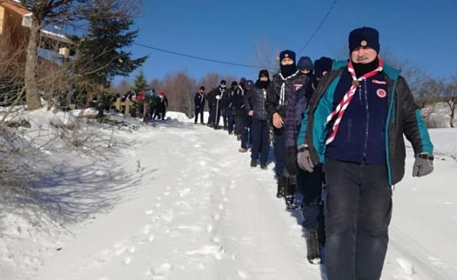 İzciler kış kampında