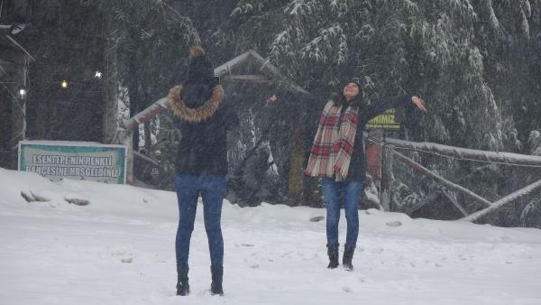Kartepe'de kar kalınlığı 70 santime ulaştı
