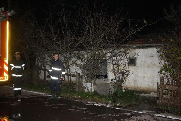 Metruk binanın bir haftada ikinci kez yakıldı iddiası