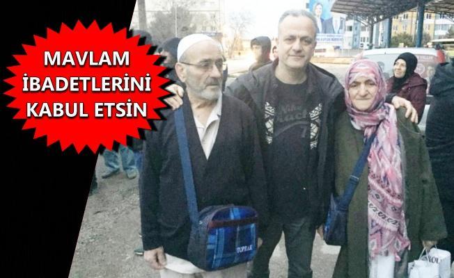 Nail Baki, anne ve babasını umre yolculuğuna uğurladı