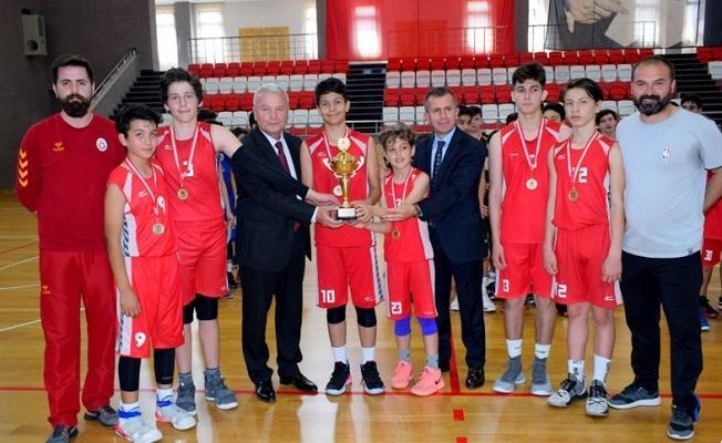Özel turnuvada şampiyon Edebali