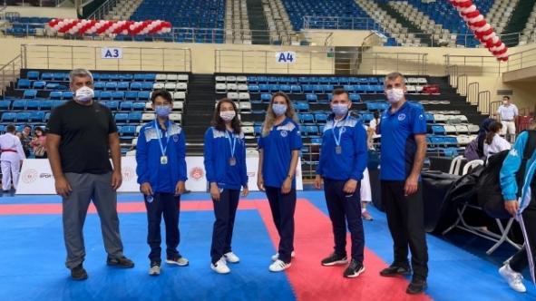 Karateciler engel tanımadı!
