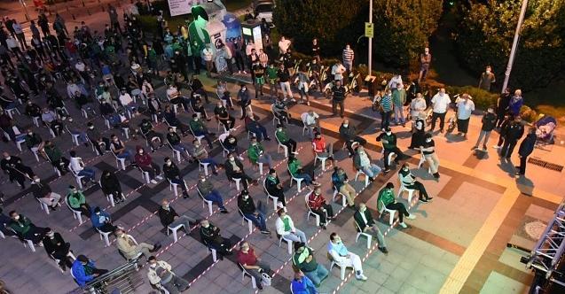 Kocaelispor'un ilk maçının heyecanıBelsa Plaza önünde yaşandı