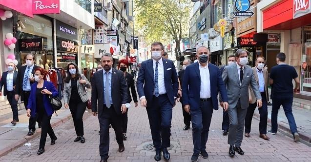 CHP Kocaeli, Gürsel Tekin'i Kocaeli turunda vatandaş ve esnafla buluşturdu!