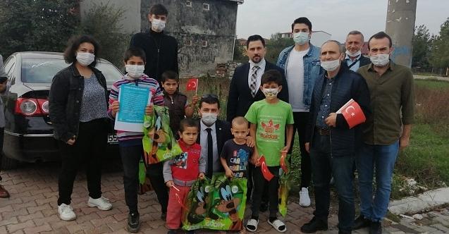 Kartepeli çocuklar Bayram coşkusunu İYİ Partililerin hediyeleri ile yaşadı!
