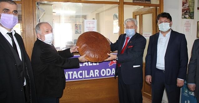Başkan Aras, Lokantacılara 'Milli Görüş Ekmeği' hediye etti