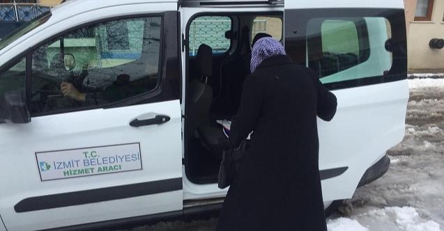 İzmit Belediyesi'nden yaşlı kadına Covid 19 desteği