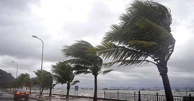 Valilik uyardı: Marmara Denizi'ndeki fırtınaya dikkat!