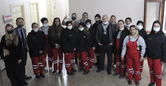 İzmit Belediyesi temizlik işleri 'kadın'larına Nurcan Erenkaya'dan jest!