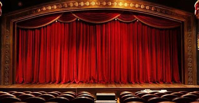 """Hürriyet: """"Tiyatroyu özledik"""""""