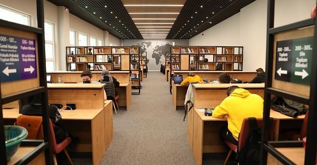 İzmit Belediyesi Kütüphanesi kitapseverleri bekliyor