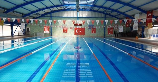 Gölcük Belediyesi kapalı yüzme havuzu açıldı