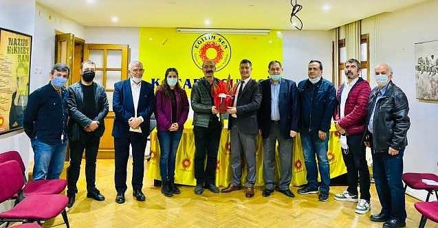 İzmit Belediyesi üst yönetimdenEğitim Sen'e ziyaret