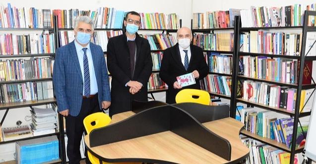 Müdür Taşdelen'den kütüphane ziyaretleri