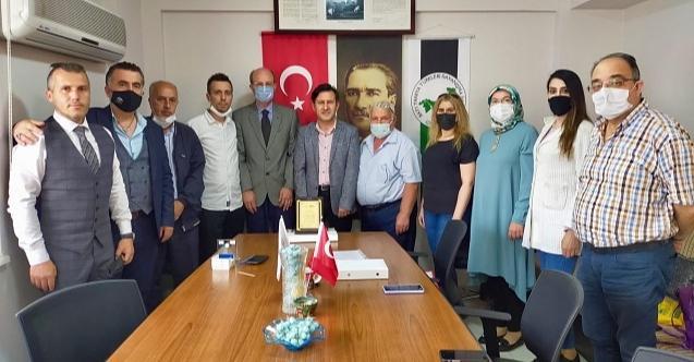 Batı Trakya Türkleri'nden Murat Yoldaş'a plaket