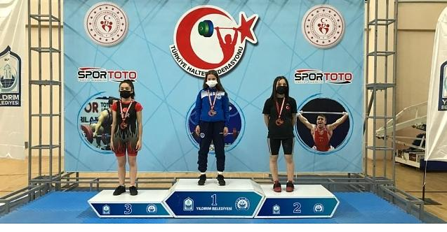 Ceren Türkiye şampiyonu