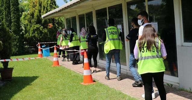 Mobil aşı ekipleri 'sanayi kenti'nde üretimin aksamaması için seferber oldu