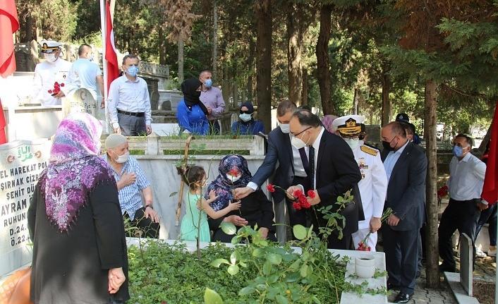 Gölcük'te 15 Temmuz şehitleri Kuran-ı Kerim tilaveti ve dualarla anıldı