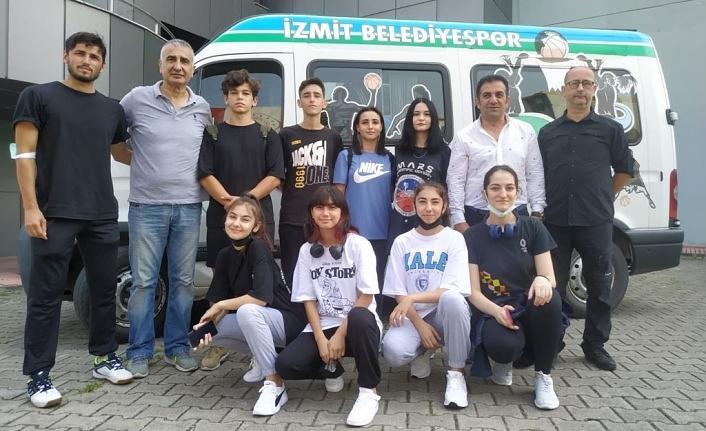 İzmit Belediyesporlu karateciler Şanlıurfa'da kürsü kovalayacak