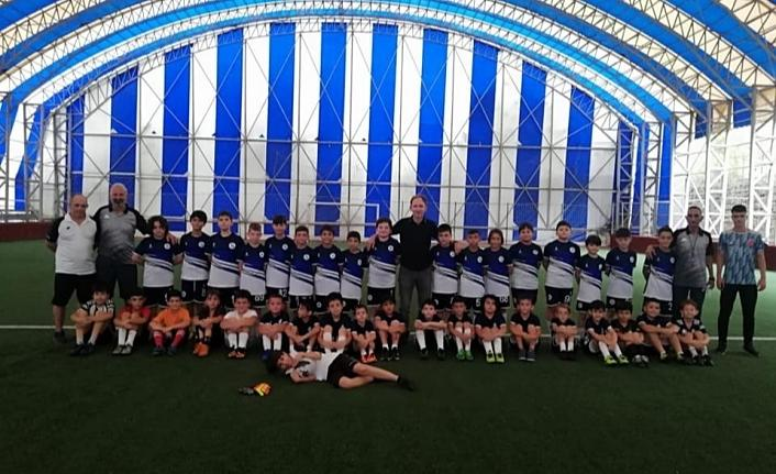 İzmit Belediyesi geleceğinfutbolcularını yetiştiriyor