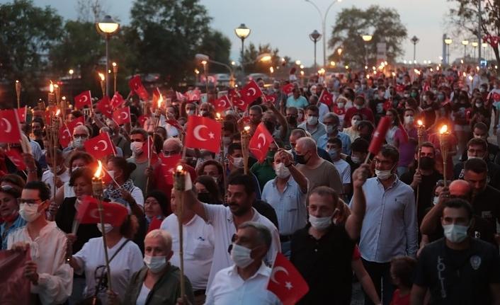İzmit'ten muhteşem görüntüler, Fatma Başkan'la Zafer Alayı coşkusu