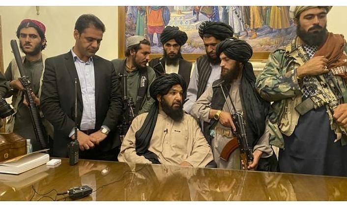 Taliban'ın ele geçirdiği Afganistan'ın adı değişiyor