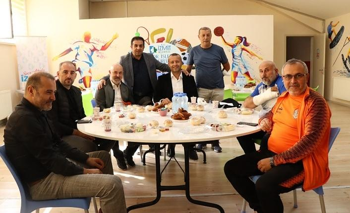İzmit Belediyesi'nin heyecan yaratan turnuvası başlıyor