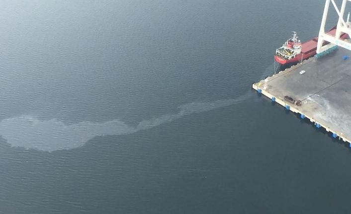 Körfez'i kirletmek isteyen gemiye 1 milyon lira ceza!