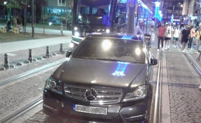 Tramvay yoluna park eden araçlara ceza