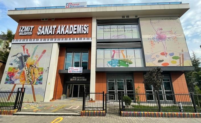 İzmit Belediyesi Sanat Akademisi 20 Ekim'de açılıyor