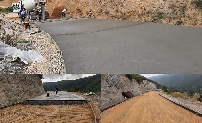 Karamürsel Avcıköy - Tahtalı köyleri arasına beton yol yapılıyor