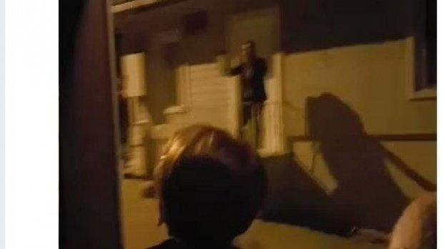 Meral Akşener'in evini bastılar!